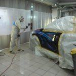 процесс нанесения рисунка на авто