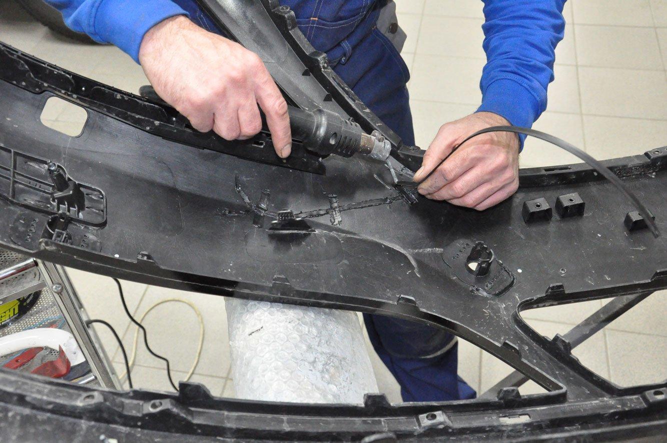 ремонт бампера мастером компани в Москвеи