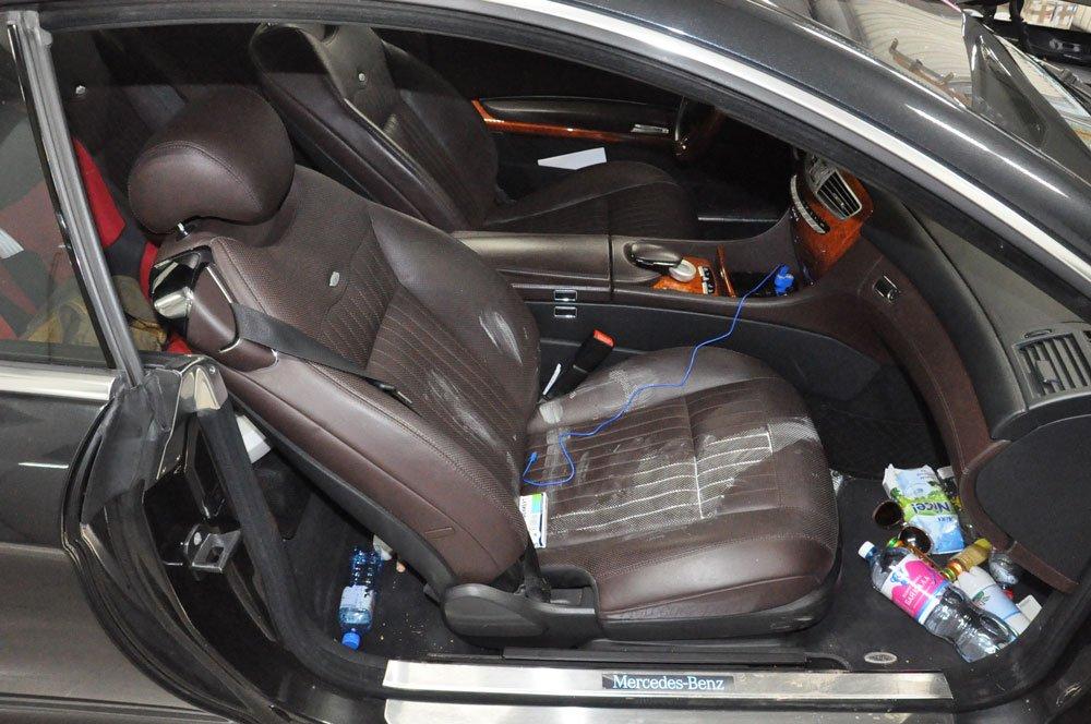 грязный салон машины