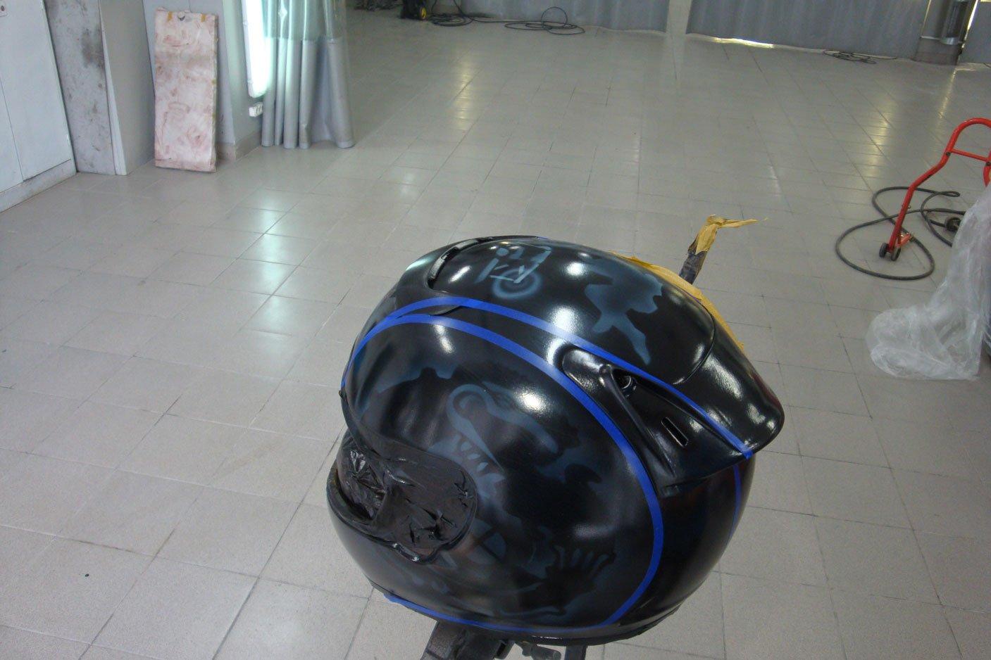 черный мото шлем