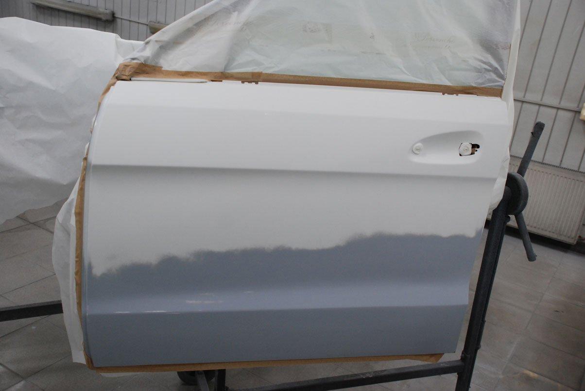 подготовленная дверь для нанесения покрытия