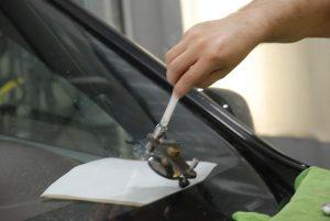 ремонт сколов на лобовом стекле