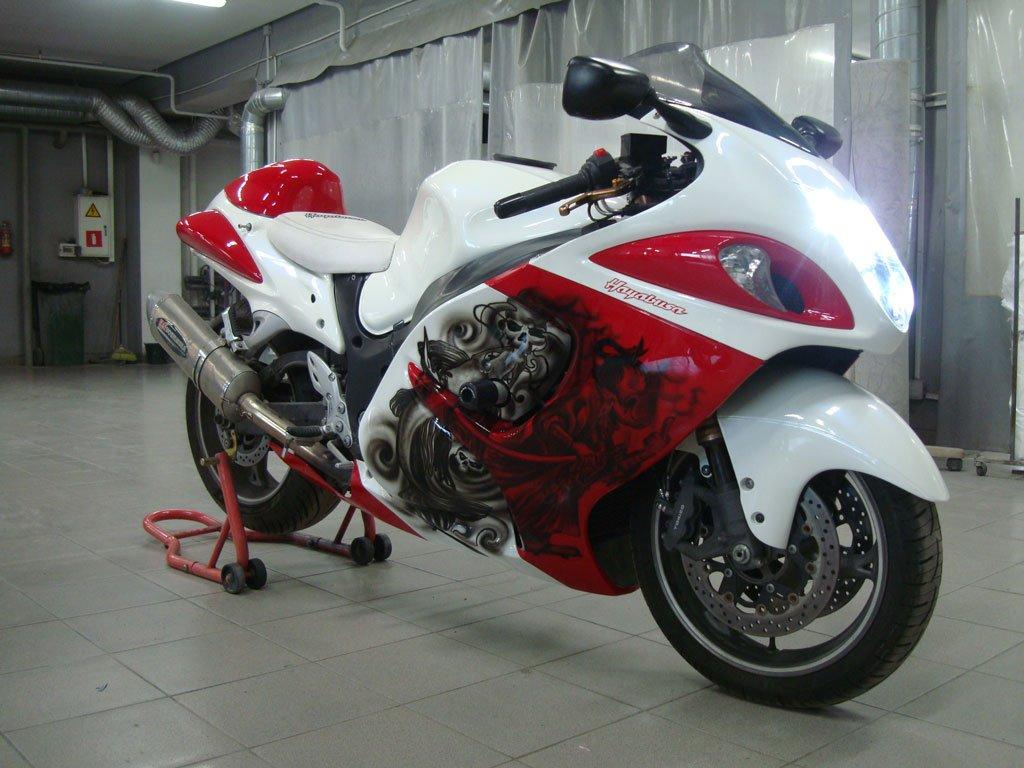 мотоцикл красно-белый