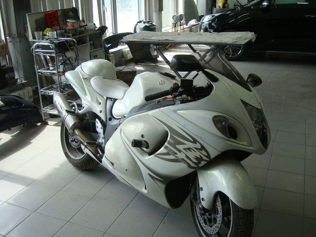 белый мотоцикл до