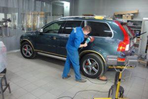 абразивная полировка царапин автомобиля на кузове