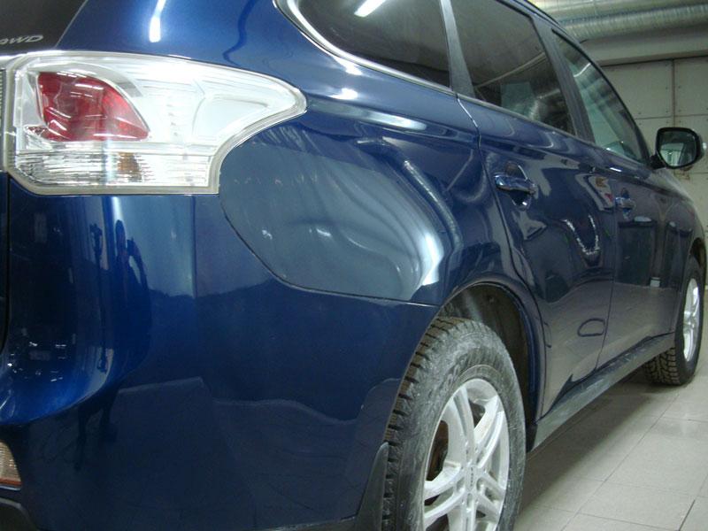 покраска крыла автомобиля синего