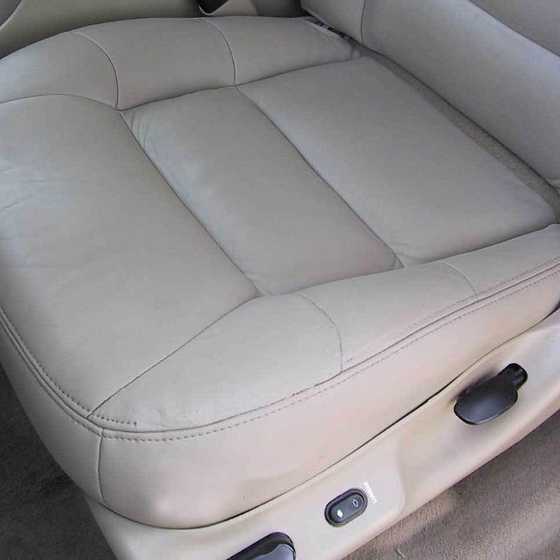 сиденье автомобиля после перетяжки