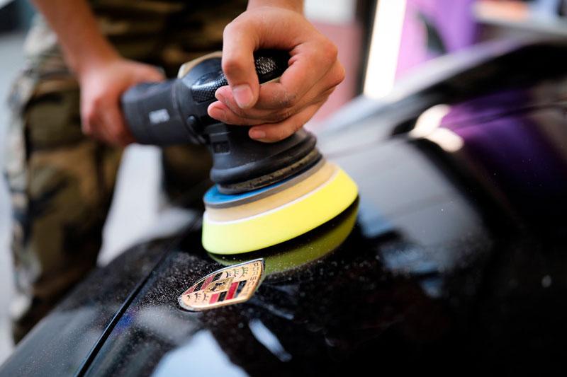абразивная полировка кузова автомобиля порше