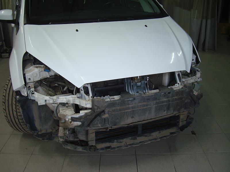 Ремонт переднего бампера Форд (Ford) C-Max