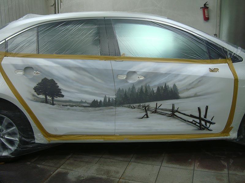 Устранение вмятины и нанесение аэрографии на кузов Тойота Королла (Toyota Corolla)