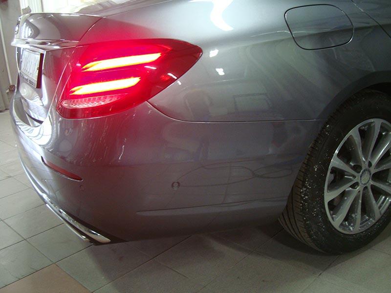 Ремонт и покраска бампера и крыла Мерседес (Mercedes) Е300 с заменой фары
