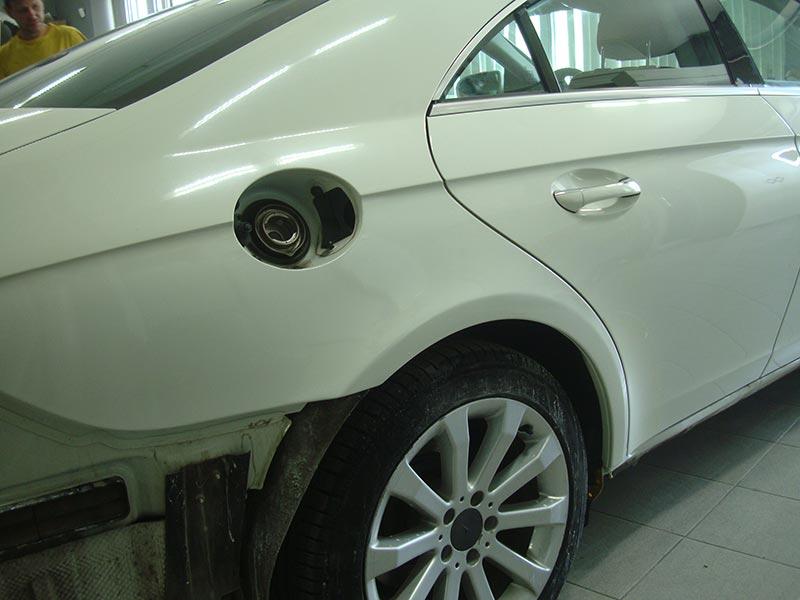 Ремонт крыла и порогов - удаление ржавчины и сколов на Мерседес Бенц (Mercedes-Benz) CLS
