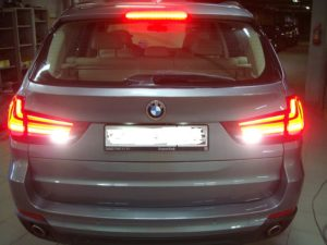 Удаление вмятин на крышке багажника БМВ (BMW) X5