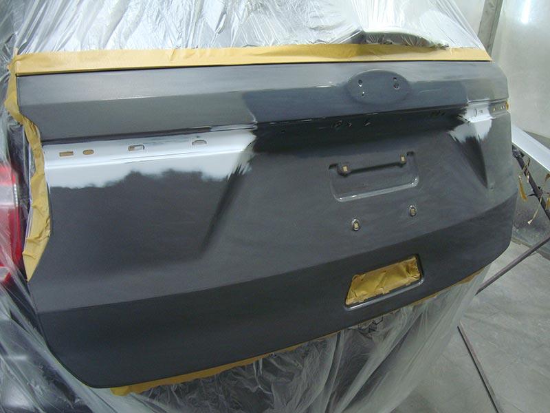 Устранение вмятины на багажнике автомобиля Форд Эксплорер (Ford Explorer)